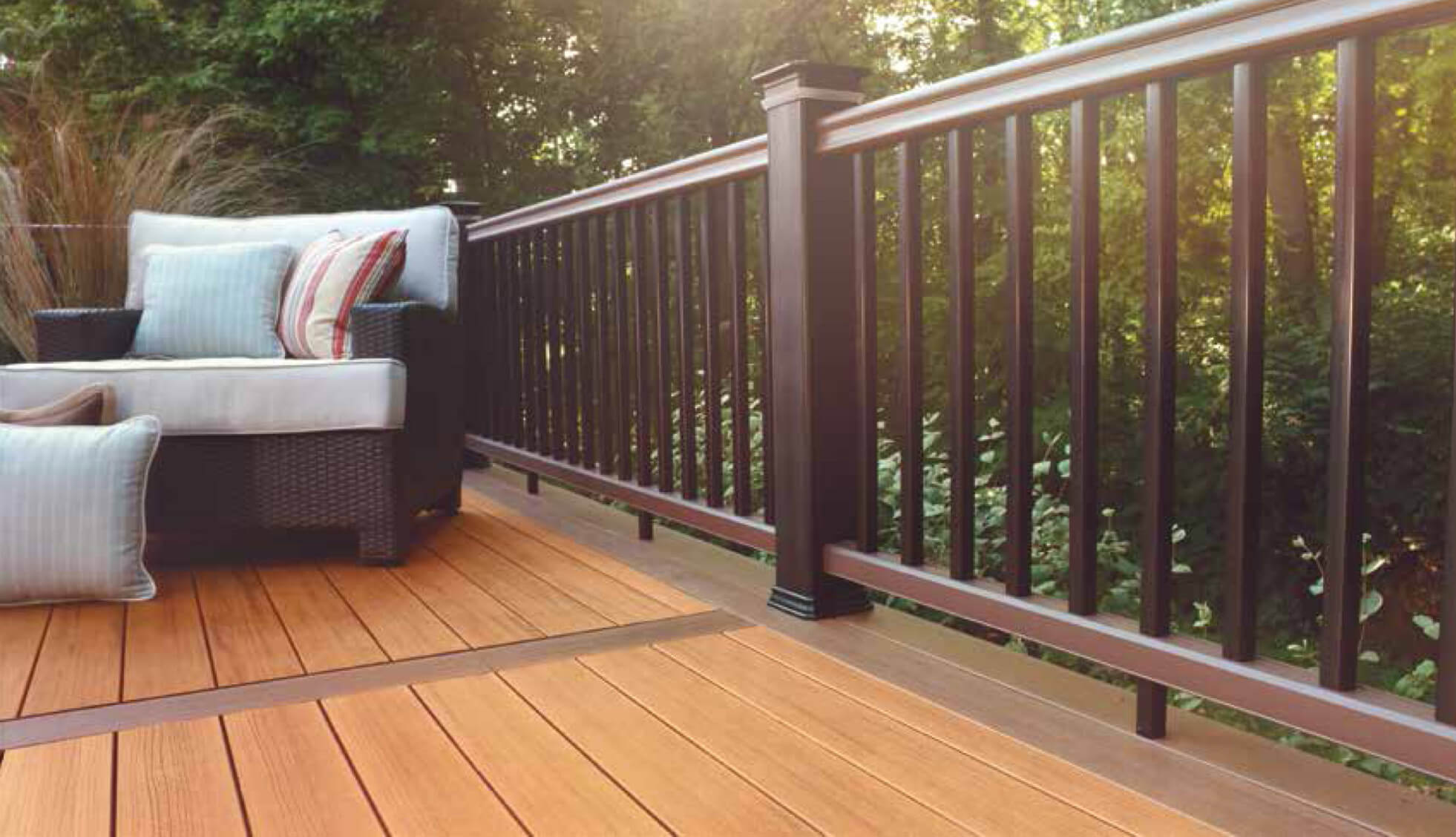 балкон из террасной доски
